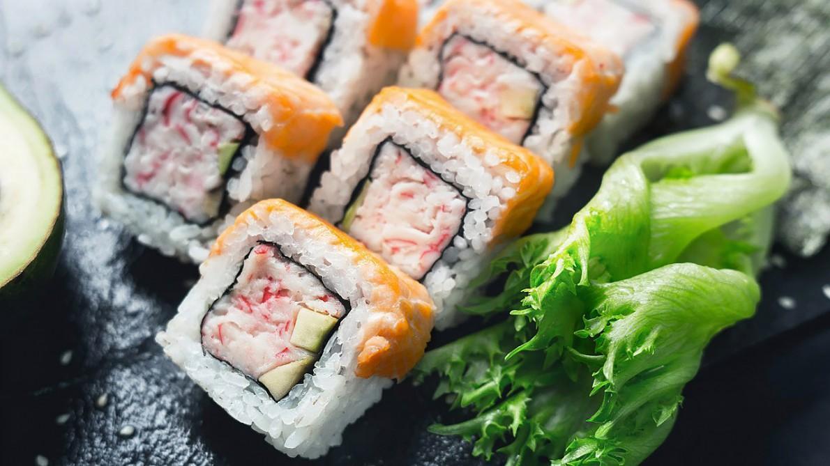 Особенностью ресторанов Суши Wok являются невысокой стоимости