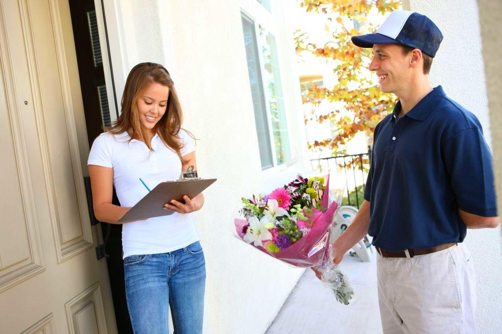 Услуга доставки цветов сегодня очень популярна