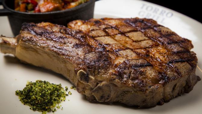 Аппетитный и сочный стейк
